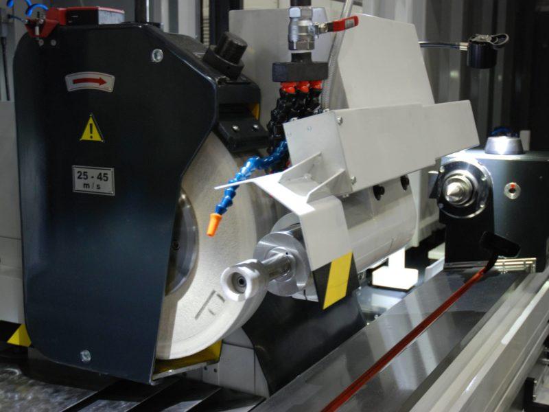 Detail brousicího kotouče obráběcího stroje BUB E CNC - FERMAT Machine Tool