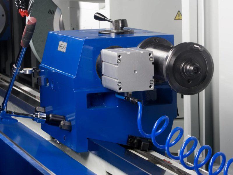 Detail upínacího zařízení obráběcího stroje (brusky) BUC E CNC FERMAT Machine Tool