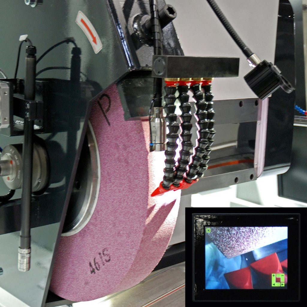 Camera for universal cylindrical grindind machine | FERMAT Machine Tool