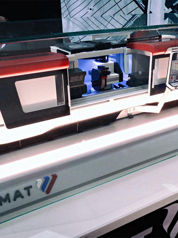 Modell CNC-Schleifmaschinen BHM MSV | IMT 2016 - der Ausstellerstand der firma FERMAT Machine Tool